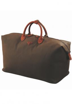 Jump Uppsala Medium Duffle Bag 4461 in the colour Chocolate